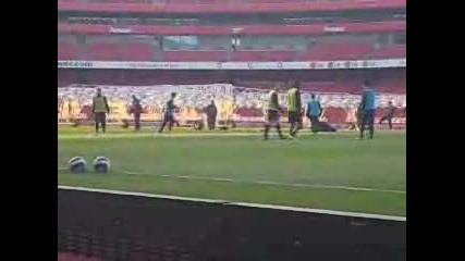 - Ники Димитров с 1 - ва тренировка и гол за Арсенал