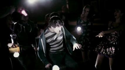 Selena Gomez ft. The Scene - Hit The Lights