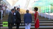 Италия: Меркел и Рензи биват посрещнати от огромна тълпа в Милано