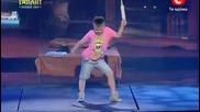 Това момче врзиви публиката и журито! 2 част
