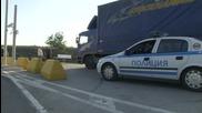 Изнервен румънски шофьор мина през крака на български полицай