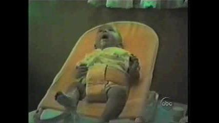 Бебета Повръщат - Супер Смешно