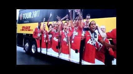 Българи спряха автобуса на Юнайтед заради Бербатов (*hq*)