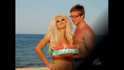 Андреа с динения бански на Слънчев бряг по секси от всякога .. : ]
