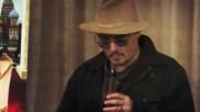 Скандално: Джони Деп се дави в алкохол!