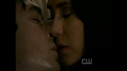 The Vampire Diaries - 2x22 - Delena Kissing