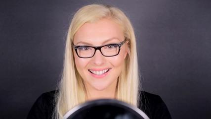 Дневен грим за очила с цветен акцент