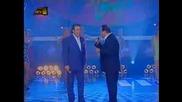 Vasilis Karras & Tolis Voskopoulos - Mia Gynaika Ftaiei (превод)