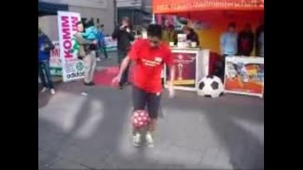 Невероятни умения по футбол!