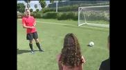 Женски футбол- Аби Уамбах дава съвети за биене на дузпи