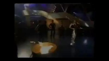 Превод * Celine Dion - Treat Her Like a Lady