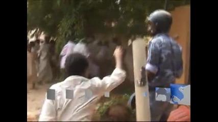 Атака срещу американското посолство в Судан, един човек е загинал