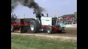 Tractor Pulling - F - Code Red
