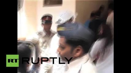 Боливудската звезда Салман Кан осъден на 5 години затвор за убийство
