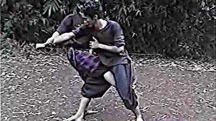 Джурус Каки - техники с крака от Силат