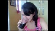 Страшно оригване от момиче