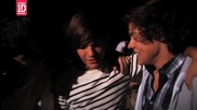 Невероятно видео! One Direction - What Makes You Beautiful (behind The Scenes)