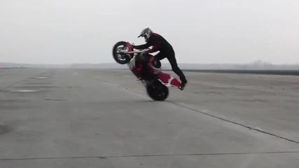 Amazing!» Motorcycle music: Gangnam Style