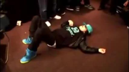 Justin Bieber се разпява!