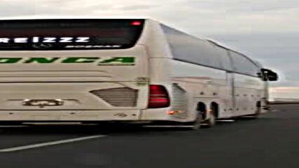 """""""Моята новина"""": Автобус изпреварва с превишена скорост"""