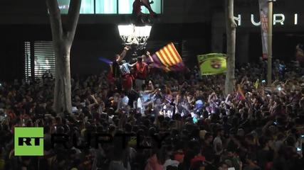 Испания: Десетки хиляди празнуват победата на Барселона