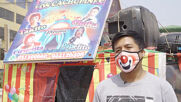 Peru: Clowns cheer up residents of Lima while circuses remain closed