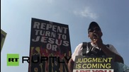 USA: Protesters rage against jailing of clerk who refused to issue same-sex licences