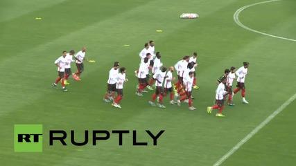 Роналдо загрява за квалификацията срещу Армения за Евро 2016