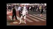 Войника От Star Wars Танцува