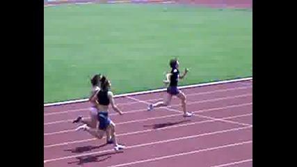 Моника Бяга 100м.