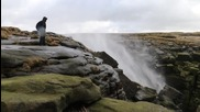 Водопад тече наобратно