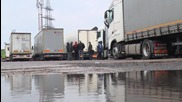 Lithuania: Trucker commits suicide as week-long traffic over border continues