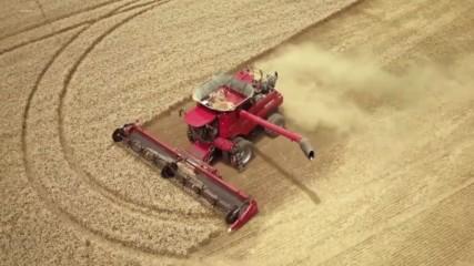 Трактор,който оре сам