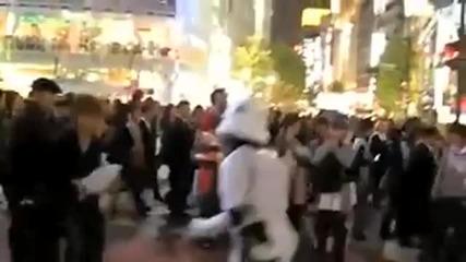 Деян Неделчев И Пепе Артигас - Tokио dance икебана salsa - От Икебана Дървесата Ги Боли.2010