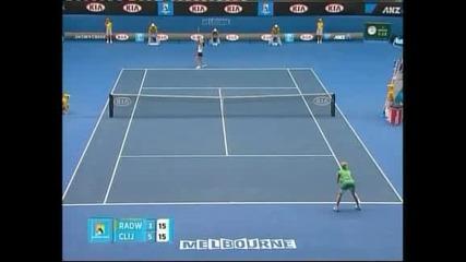 Звонарьова – Клайстерс е вторият полуфинал при дамите