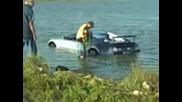 !!! !!! Тъпак катастрофира с bugatti veyron