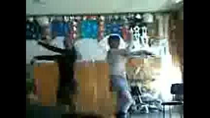 Тони И Сидни Танцуват!!!