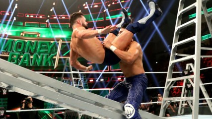Conoce a los reyes de la Powerbomb en WWE: WWE Ahora