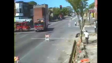 две пожарни се сблъскват