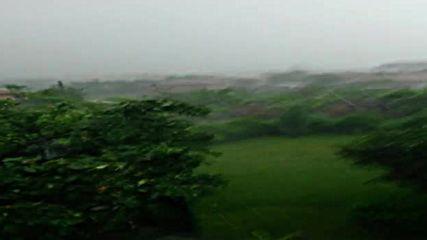 Пороен дъжд в село Чешнегирово