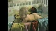 Бебе Пърди Пушек Много Смях!!!!!!