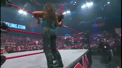 Tna Final Resolution 2010 - Tara vs Mickie James Falls Count Anywhere Match