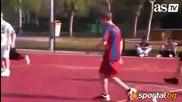 Джъстин Бийбър играе футбол в Испания с екипа на Барселона