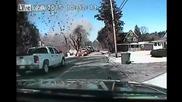 Камера в патрулка заснема взривяване на къща