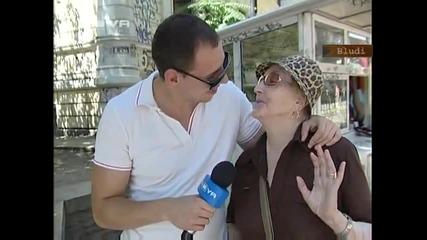 Репортер целува момиче с език в ефир