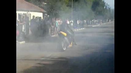 Сузуки К4 пали гумите в Летница