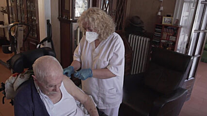 Spain: Catalonia launches at-home vaccination campaign for people 80 and over