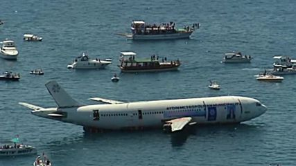 Turkey: Airbus submerged to create artificial reef to keep diving tourism afloat