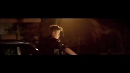 Част от видеото на Бийбър 'as long as you love me'