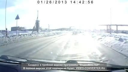 Това може да се случи само в русия! Танк изскача на улицата